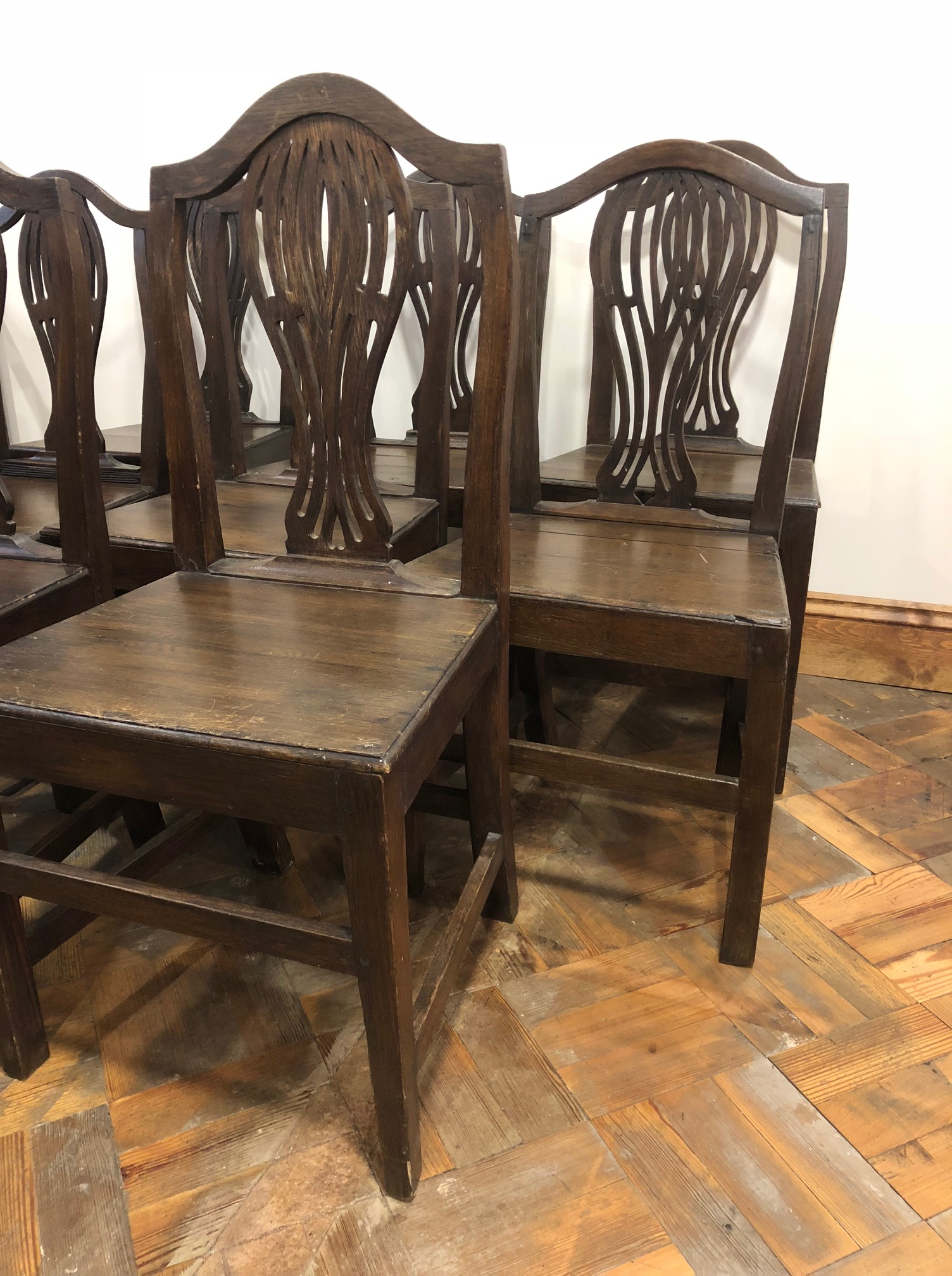 Set of Eight Early Welsh Oak Camel Back Farmhouse Kitchen Chairs